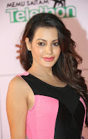 Deeksha Panth in Tight Black Latex Mini Dress Memu Saitam Dinner with Stars Red Carpet