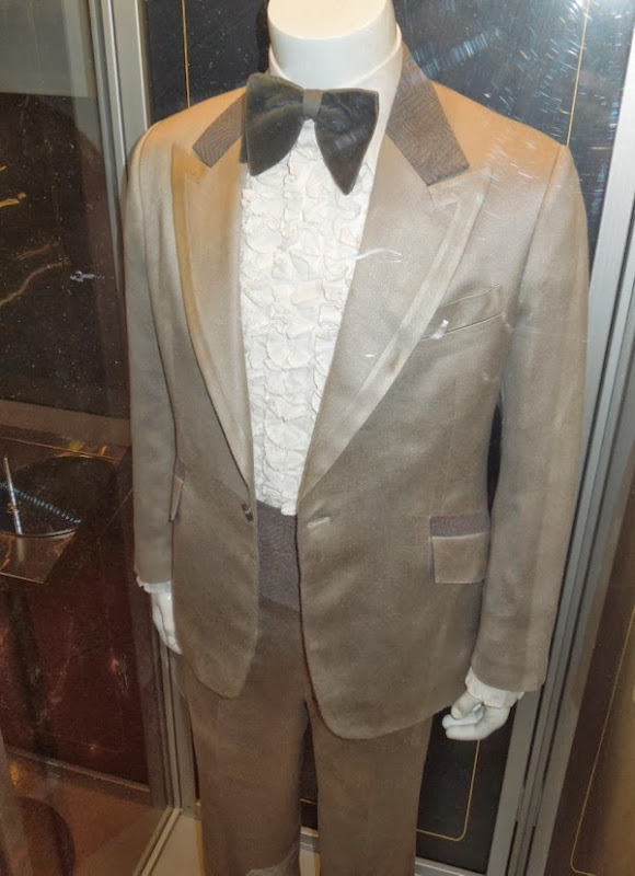 Jeremy Renner American Hustle movie costume