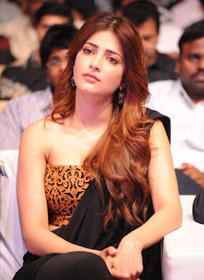 Shruti Haasan Super Cute Photos at Telugu Film Balupu Audio Release Event