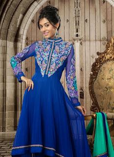 Celebrities+in+Indian+Designers+Anarkali+Salwar+Suits+2013004