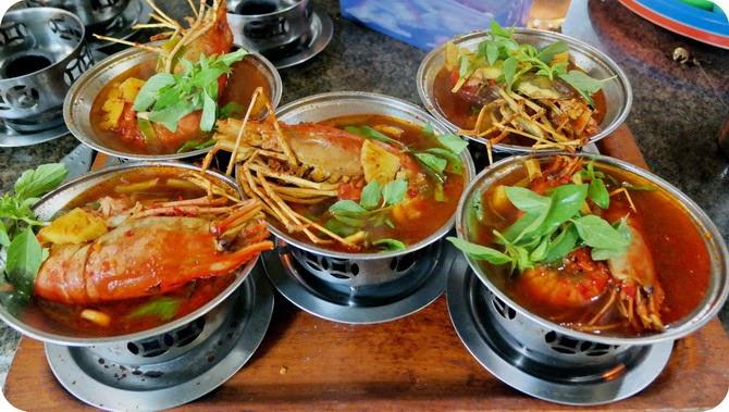 Hasil gambar untuk sri melayu restaurant palembang