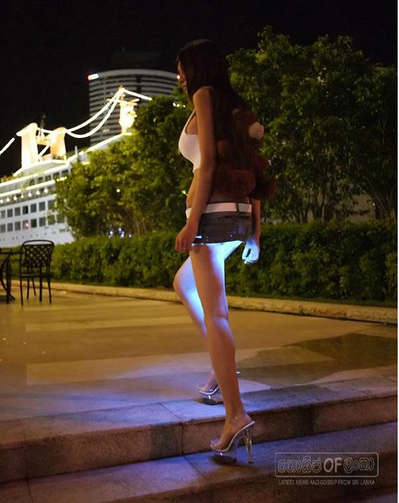 New Design Woman's Skirt