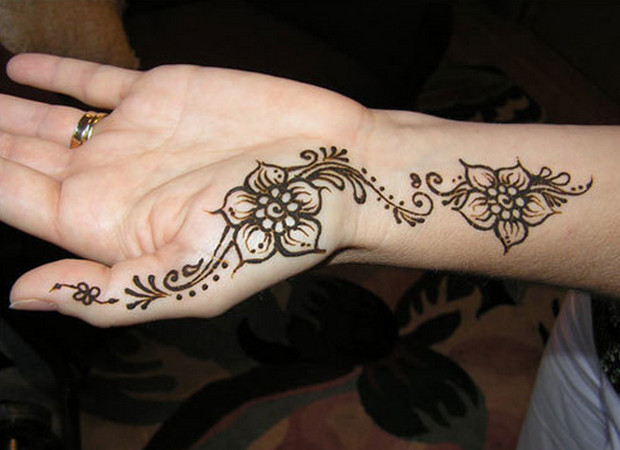 Simple Mehndi Designs To Make Your Home Henna Tattoos