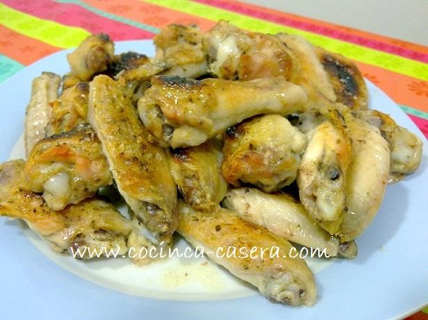 cocina alitas de pollo: