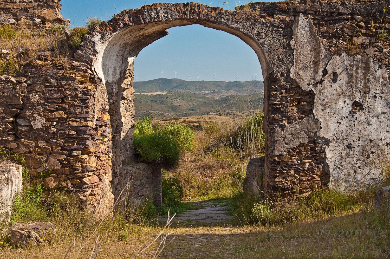 Mirando el mundo castillo de san marcos for Puertas de campo antiguas