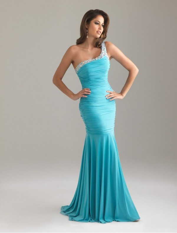LONG BOB HAIRSTYLE: MERMAID PROM DRESSES GIVE YOU A SEA-MAID LOOK