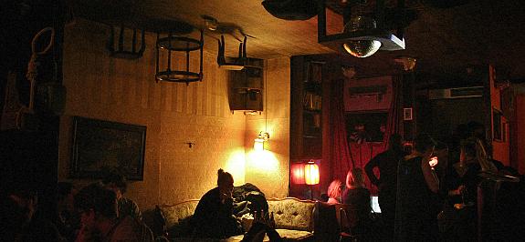 Madame Claude Berlin, bar Berlin, club berlin, sortir à Berlin, Berlin pas cher