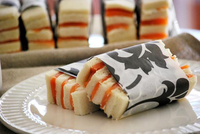 Canape de salmon ahumado con crema de queso y mostaza de for Canape de salmon ahumado