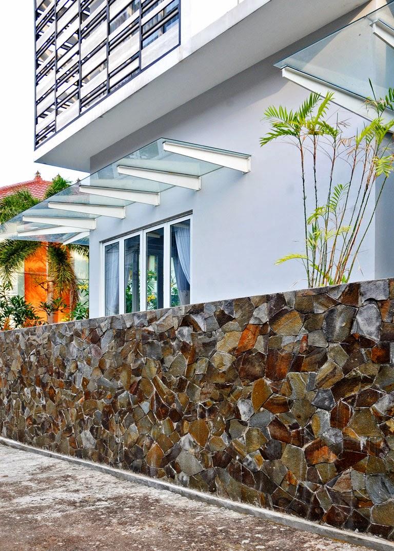 inspirasi pagar batu alam untuk rumah desain denah rumah