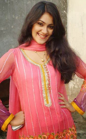 Bangladeshi+Model+%2526+Actress+Shaina+Amin023