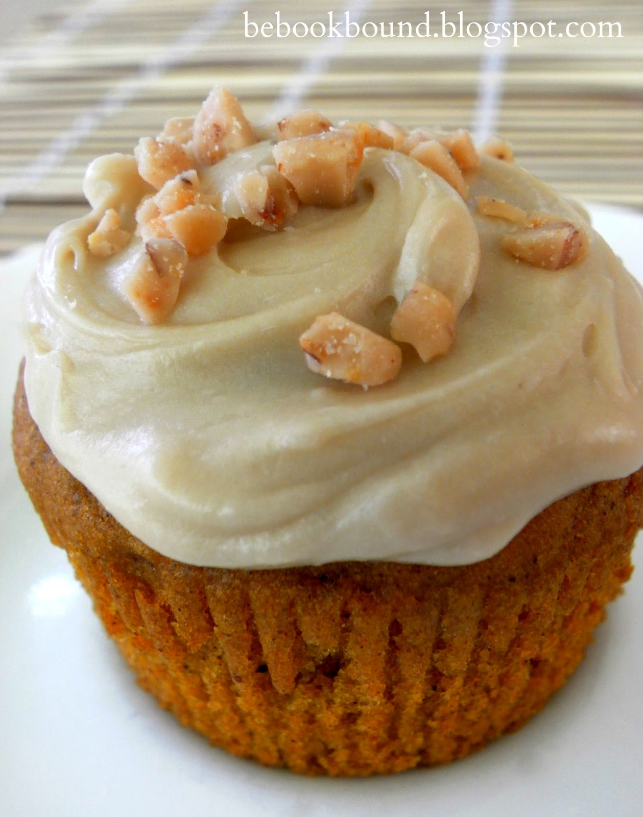 Pumpkin Cupcakes Ina Garten be book bound: fall poetry: pumpkin cupcakes with maple frosting