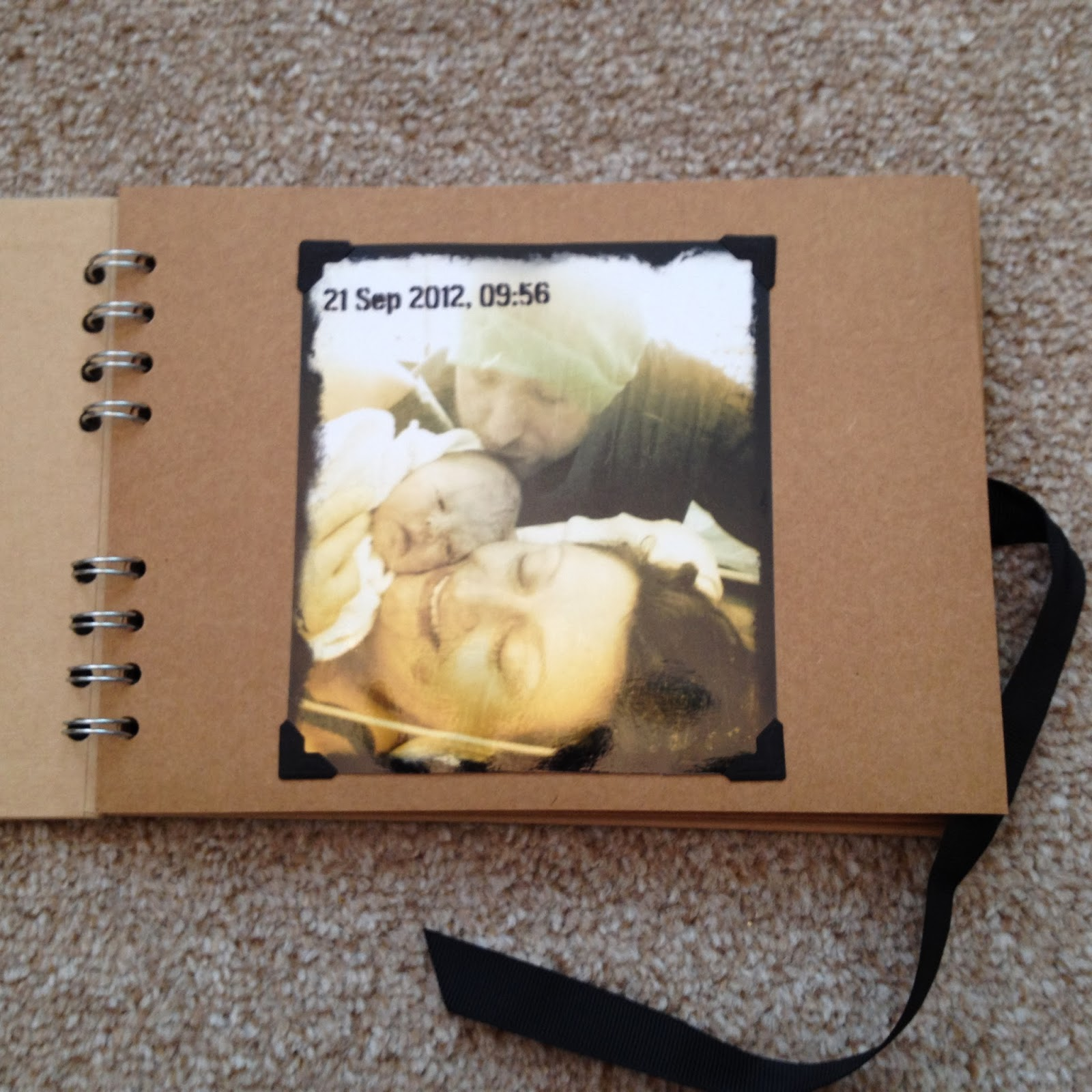 Scrapbook ideas cheap - Mamasvib V I Busy Bees A Scrapbook Photograph Idea For Time Pressed Mamas That