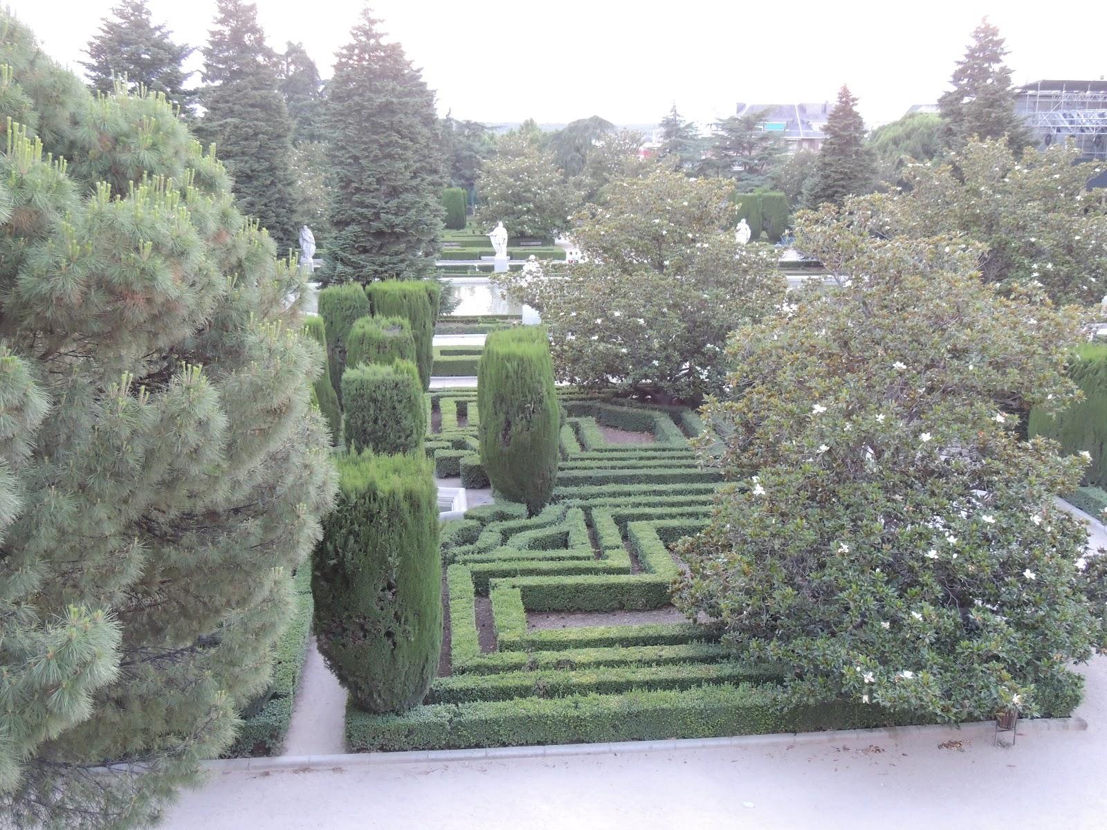 Turismo En Madrid Como Llegar Y Horarios De Los Jardines De Sabatini