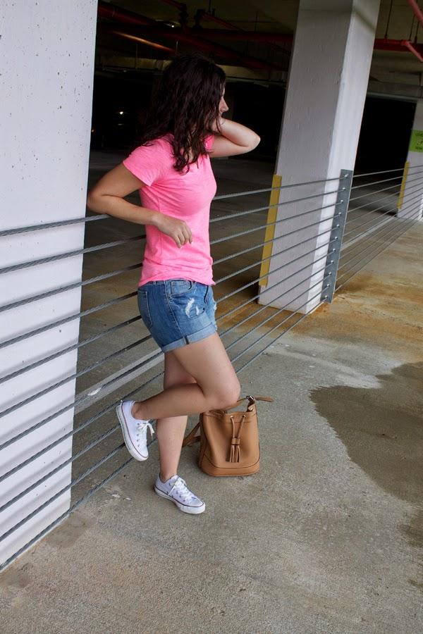 Target tee, v neck tee, old navy shorts, back to school, old navy bucket bag