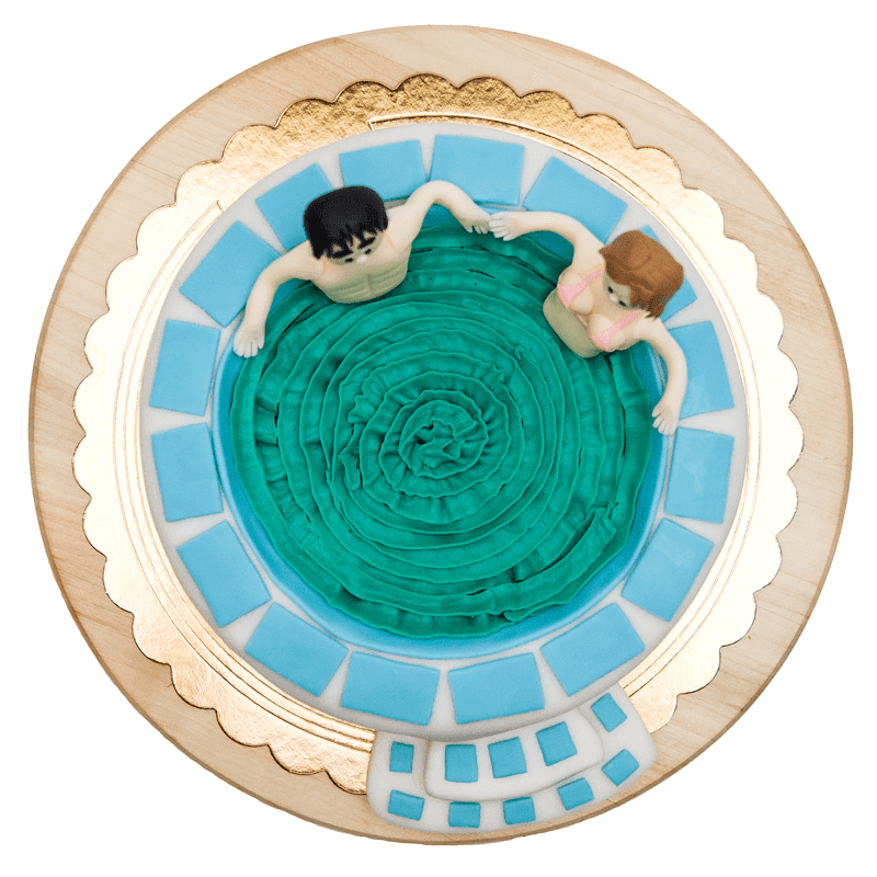 Jacuzzi fondant cake top view into the pool