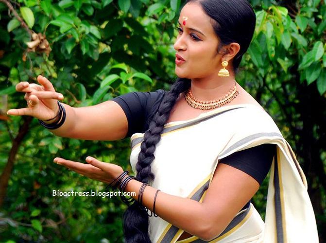 mallu very sexy serial actress shalumenon hot and exposing