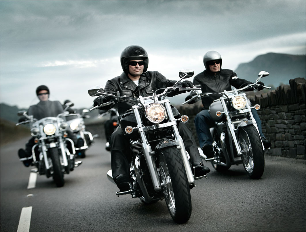 http://1.bp.blogspot.com/-B1da3-HcLAQ/Tekout5GYBI/AAAAAAAAA4Q/Mizb5EKWGSI/s1600/Triumph+Thunderbird+2011+wallpaperss.jpg