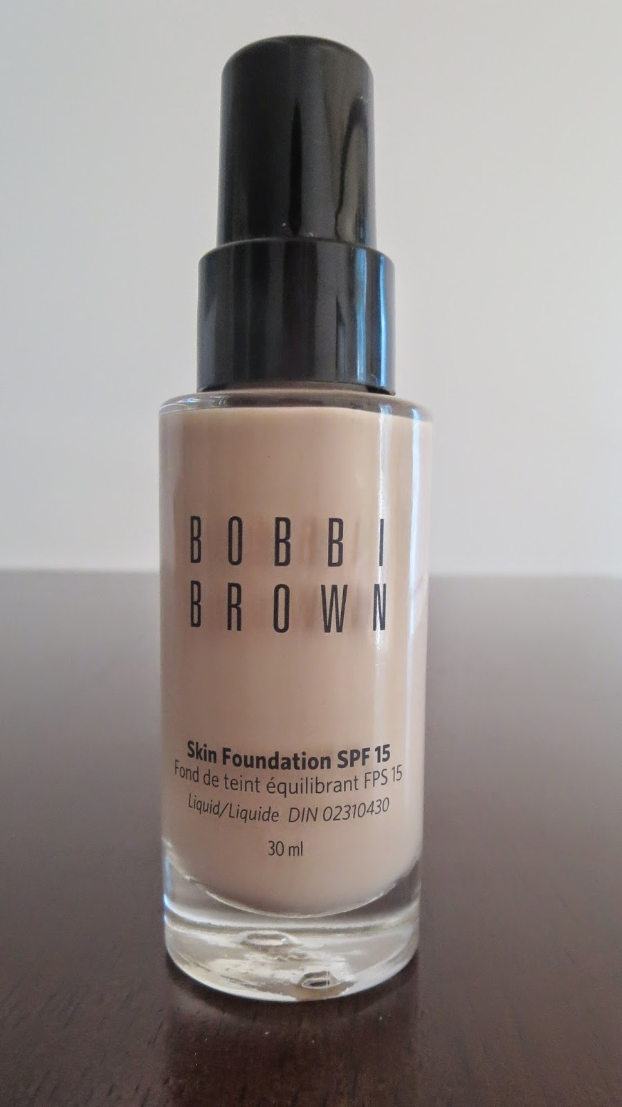 a picture of Bobbi Brown Foundation in Porcelain