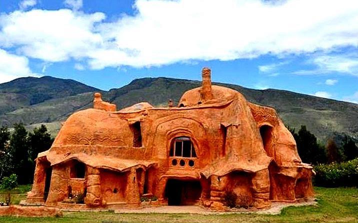 The flying tortoise columbian octavio mendoza 39 s house for Casa mendoza muebles villa martelli