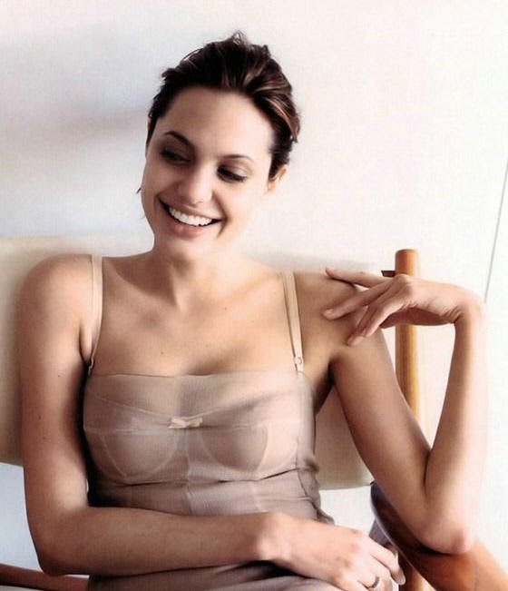 angelina jolie nude original source of image
