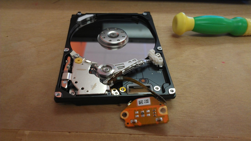 how to remove external hard drive from laptop