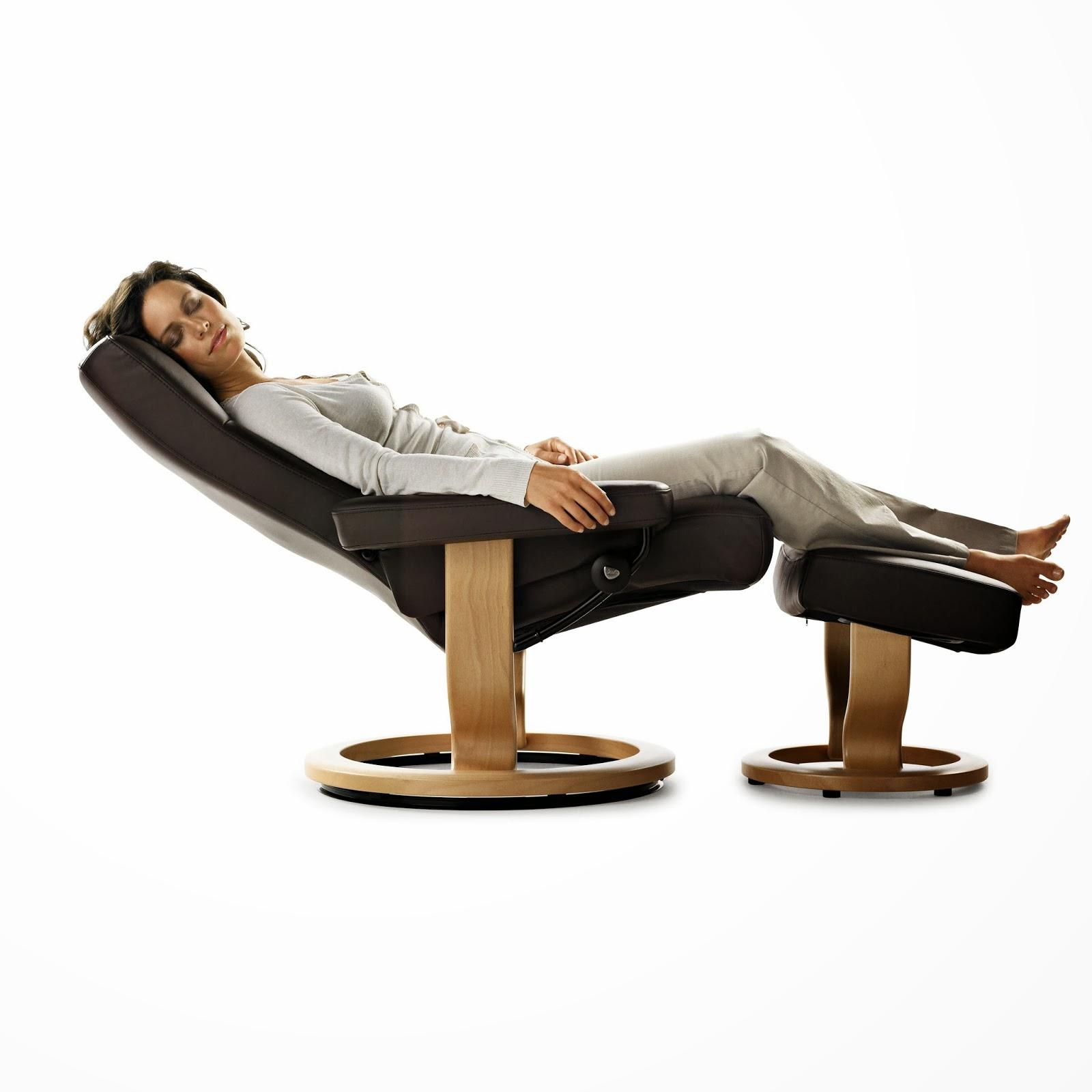 fauteuil stressless et son pouf dream fauteuil relax. Black Bedroom Furniture Sets. Home Design Ideas