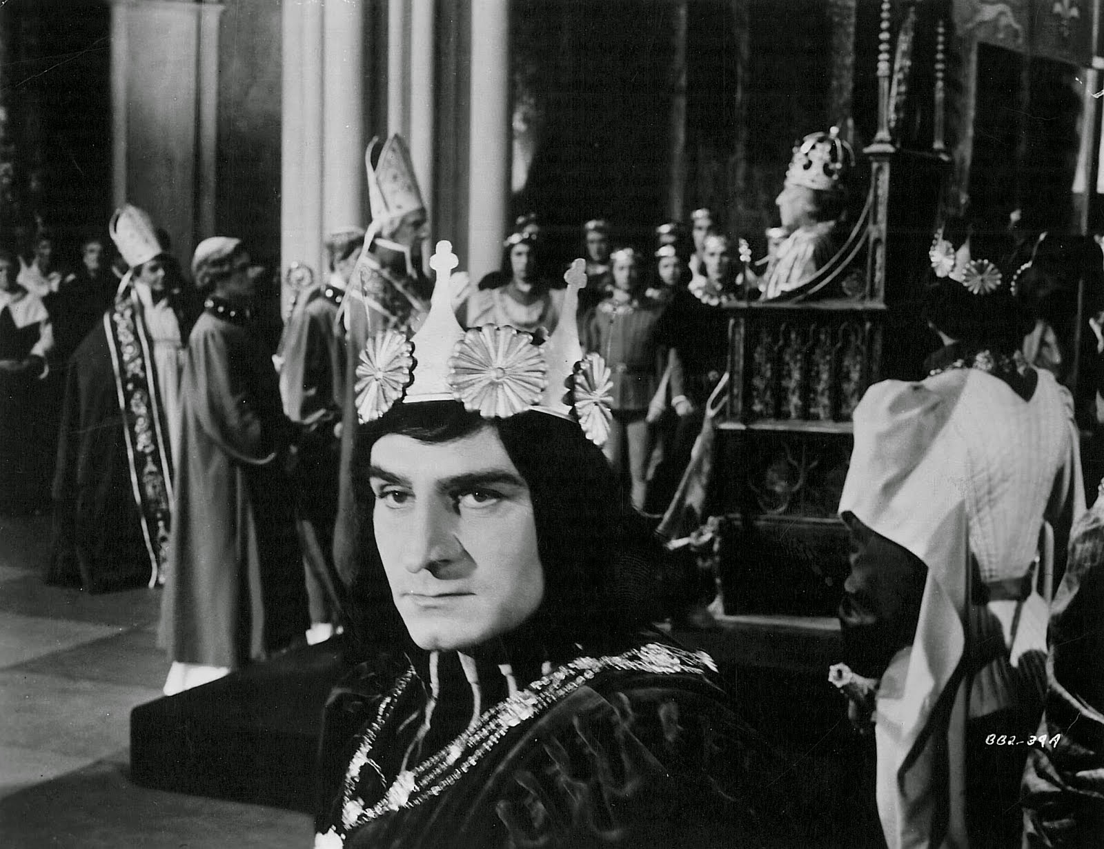 a comparison of king richard iii by william shakespeare and looking for richard by al pacino Or so shakespeare has it, and his richard iii is the  bloom thought sir ian mckellen was the greatest richard iii he had ever seen, and richard  king john, lear.