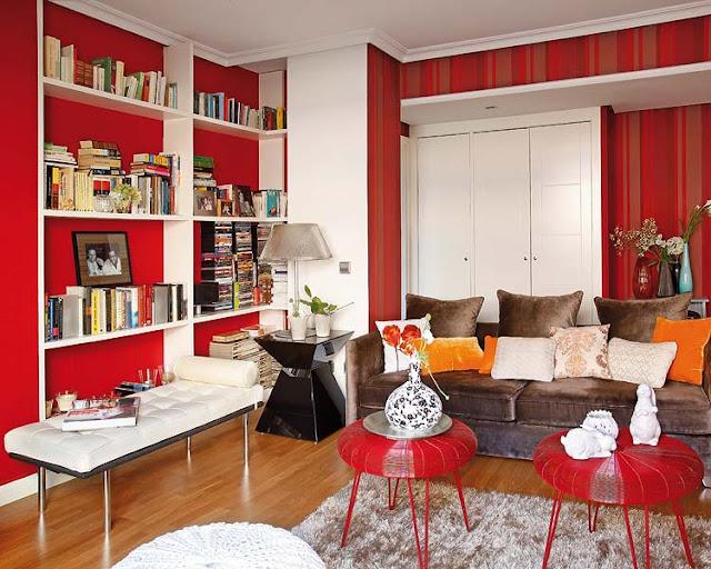 decoração de sala em vermelho, decorando com vermelho, estante branca