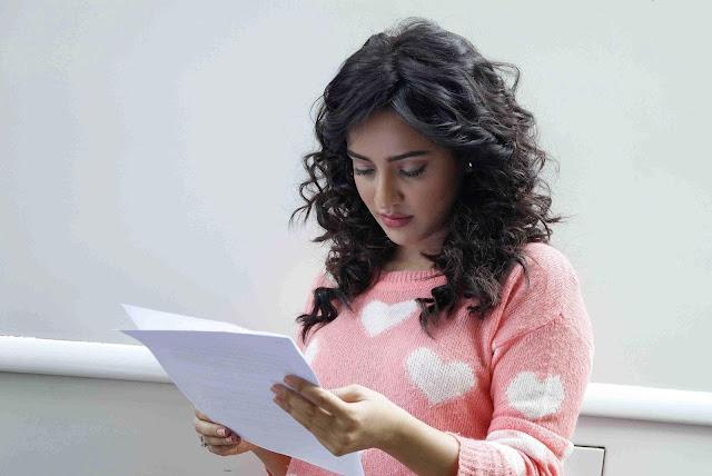Neha Sharma Fantastic HD Photos & Wallpapers