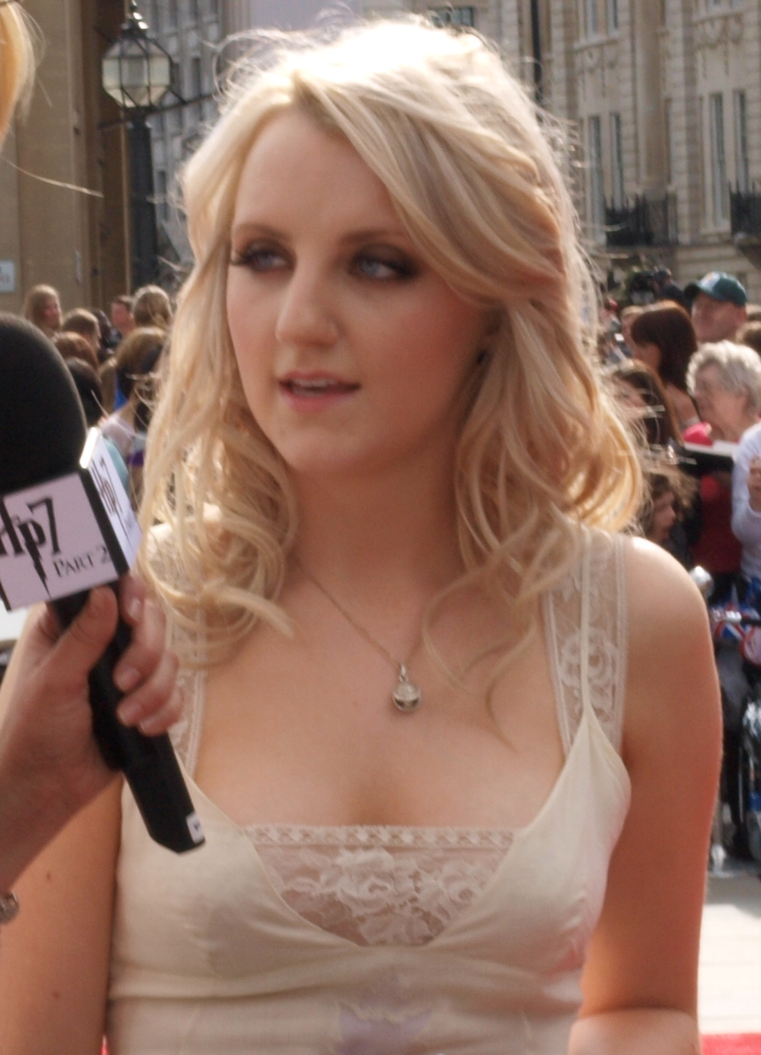 http://1.bp.blogspot.com/-B2leJpkl7Uc/T0KBPEF7U7I/AAAAAAAACHE/nL7Yq5eykLU/s1600/Hot+Evanna+Lynch+-+During+an+Interview.jpg
