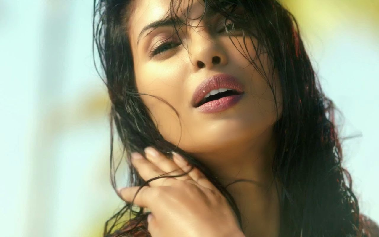 priyanka-chopra-wallpaper-1