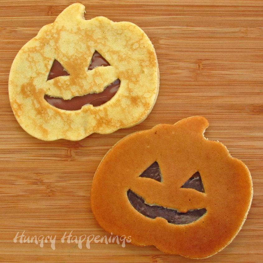 pumpkin+pancakes+for+Halloween+breakfast%2C+Halloween+pancakes+filled ...