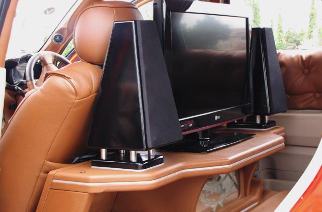 :http://ivana-bali.blogspot.com/2011/11/modif-toyota-rush-ceper.html