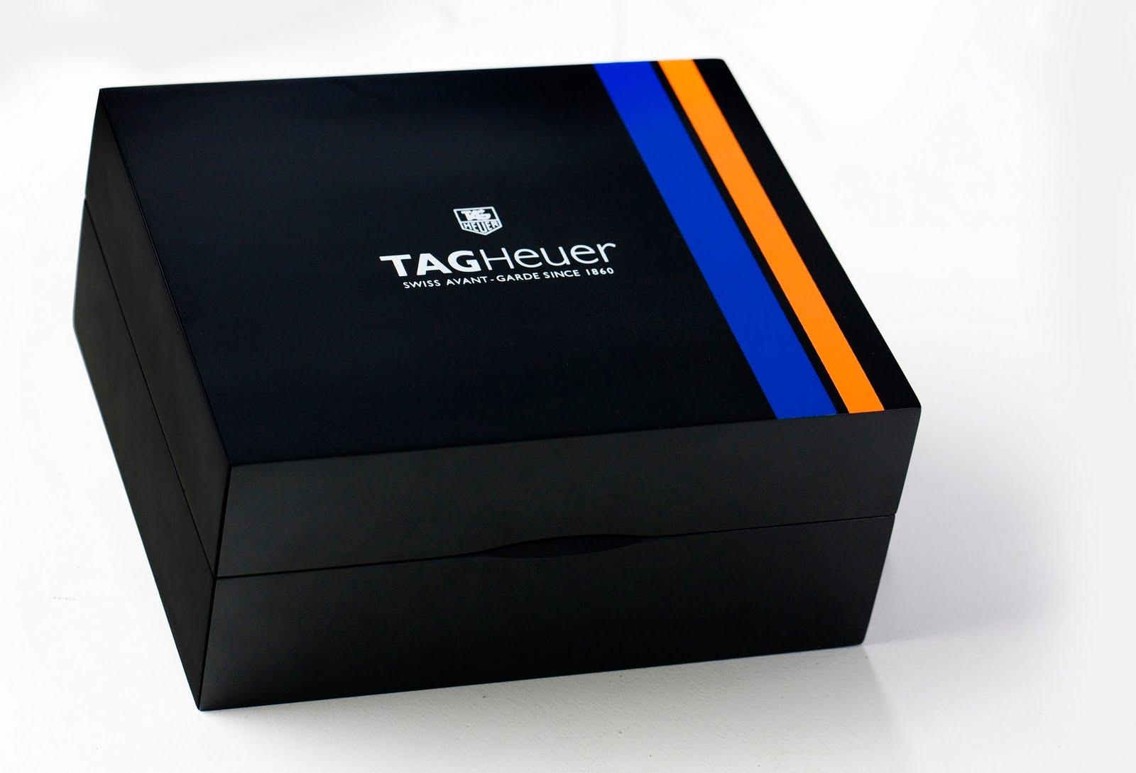 e35acec25d9 O TAG Heuer Concept 24 é um estojo que reúne o relógio Monaco 24 Calibre 36  Chronograph e o telemóvel MERIDIIST Gulf Edition numa edição limitada a 24  ...