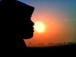 Akhwat cahaya (ilustrasi fto sabilarosyad.com)
