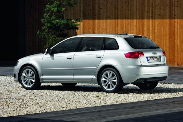 2011 Audi A3 Sportback Back Exterior