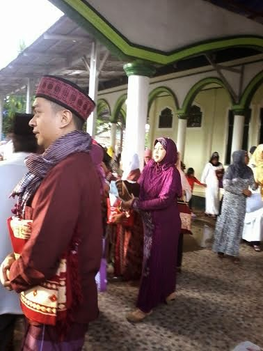 Muslim praying Idul Fitri in the mosque or on fields