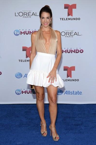 Who Wore What Telemundo S Premios Tu Mundo Red Carpet
