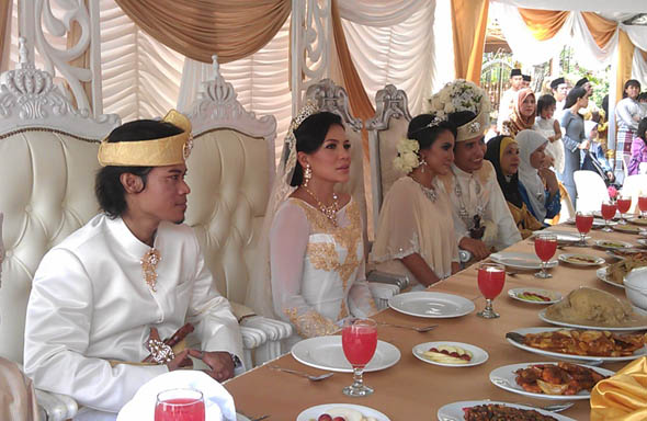 [GAMBAR] MAJLIS RESEPSI PERKAHWINAN WATIE &amp; JOEY, AZLAN &amp; AZZA