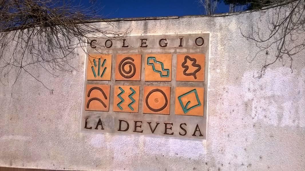 https://www.facebook.com/ColegioLaDevesaCarlet?ref=ts&fref=ts