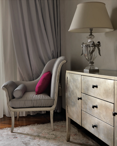 eye for design decorate with silver for stunning interiors especially at christmas. Black Bedroom Furniture Sets. Home Design Ideas