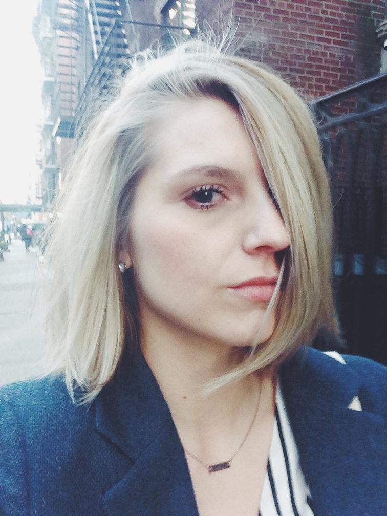 Summer blond hair color, light blond, bright blond shoulder length bob