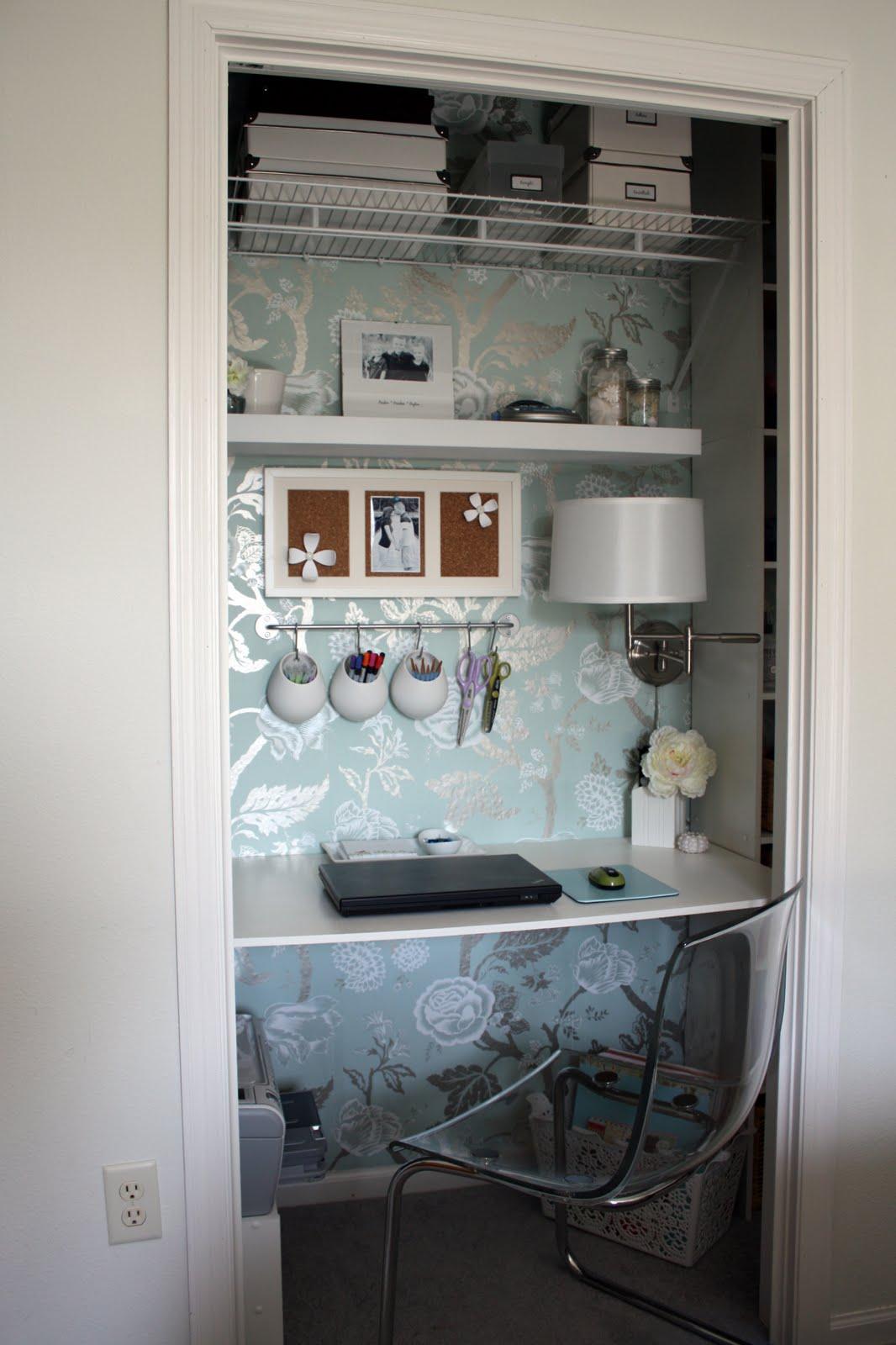 http://1.bp.blogspot.com/-B4ef3whgcHk/UGYhNZZZ2eI/AAAAAAAACNY/3TzqQDkZaoY/s1600/Closet+Office_Jennifer+Jones.jpeg
