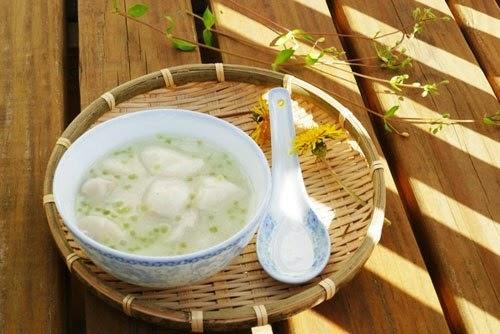 Chè Khoai Sọ Nước Dừa - Taro Sweet Soup and Coconut Syrup
