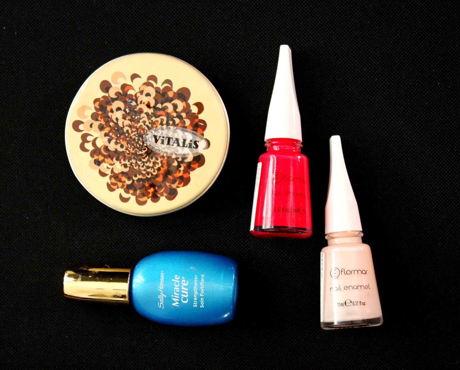 #favourites #blog #picture #vitalis #sallyhansen #mircle #cure #flormar #nail #polish #steghtener #hand #care #cosmetics