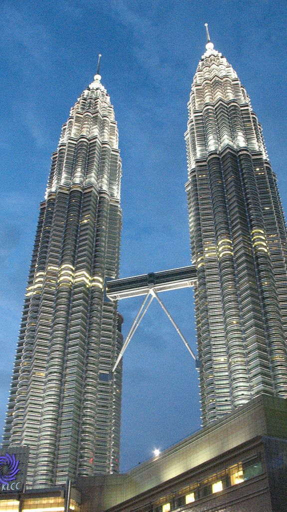 10 Must See World Famous Towers Travel Encyclopedia