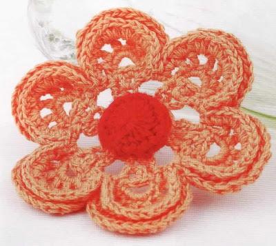 Bonitas flores tejidas a crochet