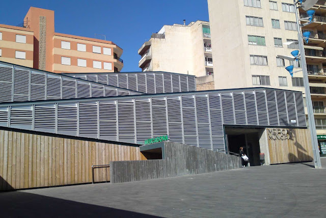 08-Inca-Public-Market-by-Charmaine-Lay-and-Carles-Muro