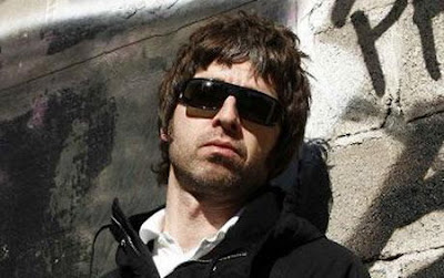 Noel Gallagher - (Stranded On) The Wrong Beach Lyrics
