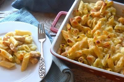 http://www.lilliansmatblogg.no/2015/03/gratinert-pastaform-med-blomkalsaus-og.html